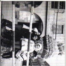 Fotografía antigua: LA VEGA (ORENSE) PAREJA DE FOTOGRAFIAS ENERO 1970. Lote 26609613
