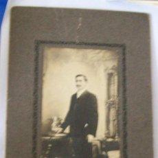 Fotografía antigua: HOMBRE, FOTO CARTON DURO. MAN, PHOTO CARTON DUR. HARD CARDBOARD, 1900 APROX. Lote 26734297