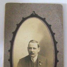 Fotografía antigua: HOMBRE, FOTO CARTON DURO. MAN, PHOTO CARTON DUR. HARD CARDBOARD, BRUNEL MONTEVIDEO. Lote 26734299