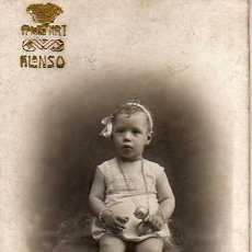 Fotografía antigua: FOTO DE UNA NIÑA - FOTOGRAFO DE BARCELONA ALONSO RONDA SAN PEDRO. Lote 25477600