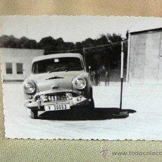 Fotografía antigua: FOTO, FOTOGRAFIA, COCHE ANTIGUO, VALENCIA, 8 X 11 CM. Lote 25788001