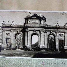 Fotografía antigua: FOTO, FOTOGRAFIA ANTIGUA, PUERTA DE ALCALA, MADRID, 13 X 8 CM. Lote 25792582