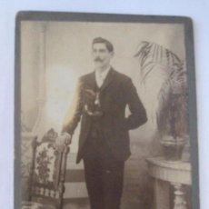 Fotografía antigua: CARTON DURO. HARD CARDBOARD - MUSTACHED MAN. HOMBRE DE BIGOTES. MOUSTACHU HOMME. 1910. Lote 27365654