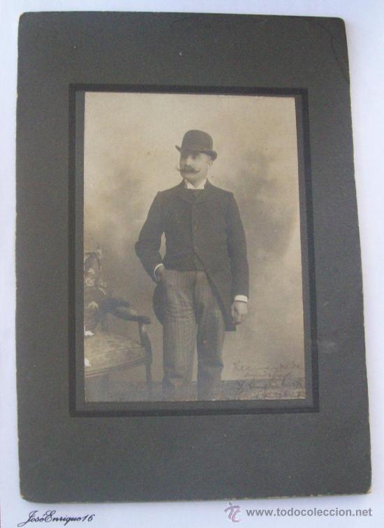 HOMBRE DE GALERA Y BIGOTES. GALLEY AND MUSTACHE MAN. CARTON DURO. HARD CARDBOARD (Fotografía Antigua - Fotomecánica)