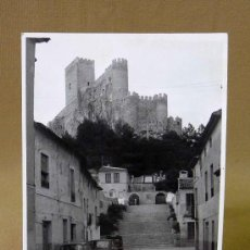 Fotografía antigua: FOTO, FOTOGRAFIA, CASTILLO DE ALMANSA, SEAT 600, 8 X 11,5 CM, 1960 S. Lote 26417778