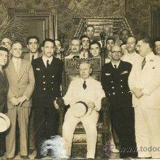 Fotografía antigua: VUELO SEVILLA-CUBA. AVION CUATRO VIENTOS. BARBERÁN Y COLLAR .DESAPARECIDOS EN JUNIO 1933.DOS FOTOS.. Lote 26568665