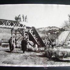 Fotografía antigua: 1936- GUERRA CIVIL ESPAÑA. BATALLA DE MADRID.RÍO GUADARRAMA. FOTO ORIGINAL. 20X15 CM. Lote 28945335