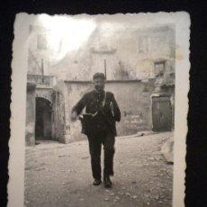 Fotografía antigua: FOTOGRAFIA ANTIGUA DE POSIBLE TRABAJADOR DE CORREOS.1940´S. Lote 29683644