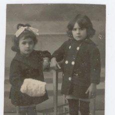 Fotografía antigua: DOS NIÑAS. Lote 29840202