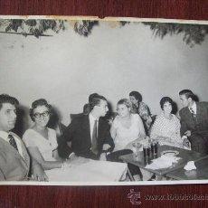 Fotografía antigua: 17X11,50 PAREJAS EN UNA FIESTA - COUPLES AT A PARTY - COUPLES À UNE PARTIE . Lote 30169773
