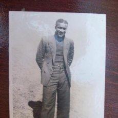 Fotografía antigua: ELEGANTE HOMBRE DE URUGUAY. HOMME ÉLÉGANT - ELEGANT MAN - CIRCA 1935. Lote 31288206