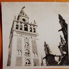 Fotografía antigua: 1927 - LA GIRALDA. SEVILLA. FOTOGRAFÍA ORIGINAL.. Lote 31916521