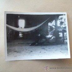 Fotografía antigua: HOMBRE EN HAMACA PARAGUAYA. MAN HAMMOCK. HAMAC MAN. Lote 32172606