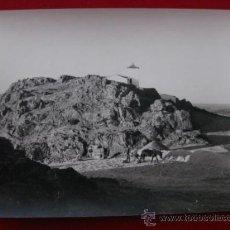Fotografía antigua: FOTOGRAFIA DE BRONCHALES,TERUEL. CERRO SANTA BARBARA Y CEMENTERIO.. Lote 32300362