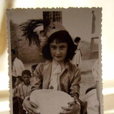 Fotografía antigua: FOTOGRAFIA, FOTO TROQUELADA, NIÑA, VALENCIA, 13 X 9 CM, BONACASA, FIESTA DE DISFRACES. Lote 32329727
