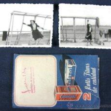 Fotografia antica: 2 FOTOS BLANCO NEGRO HOCKEY HIERBA 1949 QUIZAS JUGADORA ATLETICO MADRID 9 X 6,3 CM. Lote 33030494