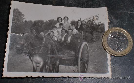 FOTO COSTUMBRSITA FAMILIA EN CARRO Y MULA (Fotografía Antigua - Fotomecánica)