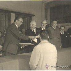 Fotografía antigua: INTERESANTE FOTOGRAFIA DE LA SOCIEDAD ANONIMA DAMM DE BARCELONA- CERVEZA - CARTON DURO. Lote 34854739