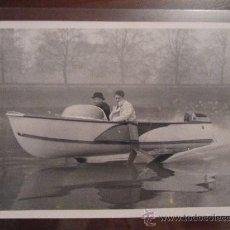 Fotografía antigua: FOTOGRAFÍA ANTIGUA, ORIGINAL DE ÉPOCA. SWAWINGS EN EL RÍO TÁMESIS (THAMES) EN LONDRES. 1959. . Lote 35588171