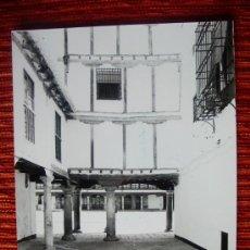Fotografía antigua: 1984 - PLAZA MAYOR DE ALMAGRO. CIUDAD REAL. FOTOGRAFÍA ORIGINAL GRANDE. Lote 37968361