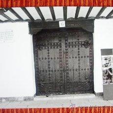 Fotografía antigua: 1984 - PUERTA DEL CORRAL DE COMEDIAS DE ALMAGRO. CIUDAD REAL. FOTOGRAFÍA ORIGINAL GRANDE. Lote 37968388