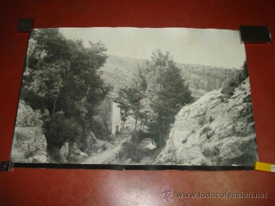 ANTIGUA FOTOGRAFIA DEL BARRANCO LOS MOLINOS DE IBI AÑO 1950-60S TAMAÑO GIGANTE PANORAMICO 101X66 CM (Fotografía Antigua - Fotomecánica)