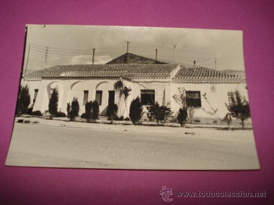 ANTIGUA FOTOGRAFIA DEL EDIFICO CASA CLINICA MEDICO TITULAR DEL AYUNTAMIENTO DE IBI EN EL AÑO 1960S. (Fotografía Antigua - Fotomecánica)