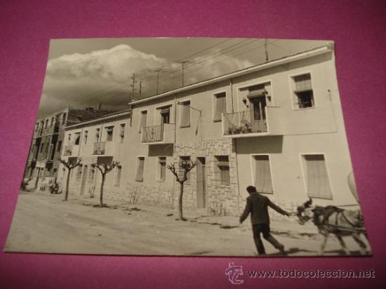 ANTIGUA FOTOGRAFIA DE IBI ** CALLE SAN PASCUAL ** AÑO 1960S. (Fotografía Antigua - Fotomecánica)