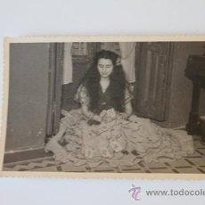 Fotografia antiga: FOTOGRAFÍA ANTIGUA DE GITANA ECHANDO LAS CARTAS.. Lote 39185154