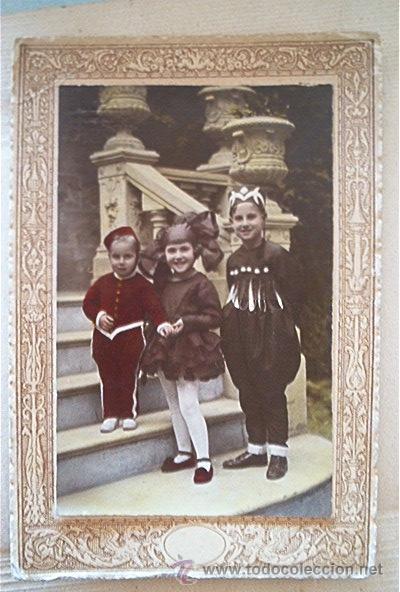 FOTO COLOREADA A MANO. GRUPO DE NIÑOS EN FIESTA DE DISFRACES. AÑOS 20 (Fotografía Antigua - Fotomecánica)