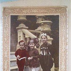 Fotografía antigua - FOTO COLOREADA A MANO. GRUPO DE NIÑOS EN FIESTA DE DISFRACES. AÑOS 20 - 39981287