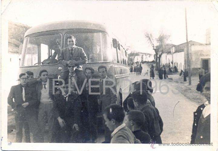 LOGROSAN, CACERES,1956, PARADA DEL AUTOBUS, MUY RARA,105X75MM (Fotografía Antigua - Fotomecánica)