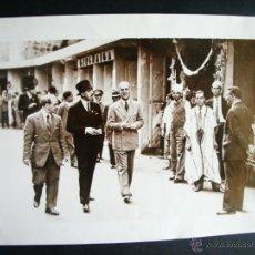 Fotografía antigua: 1934-EL REY ALFONSO XIII EN NÁPOLES. ITALIA. GRANDE 23X18 CM. Lote 40649140