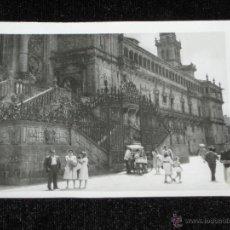 Fotografía antigua: FOTOGRAFIA DE 10X7 CM - CATEDRAL DE SANTIAGO DE COMPOSTELA - 1960. Lote 41989203