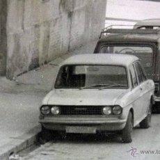 Fotografía antigua: FOTOGRAFIA ANTIGUA, COCHES, SEAT 600, CITROEN, CALLE DE VALENCIA,1960S. Lote 42553150