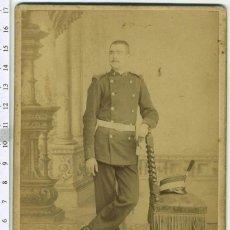 Fotografía antigua: FOTOGRAFIA MILITAR, OFICIAL DE INGENIEROS, CON BAYONETA Y ROS. ALFONSO XIII. Lote 42643575