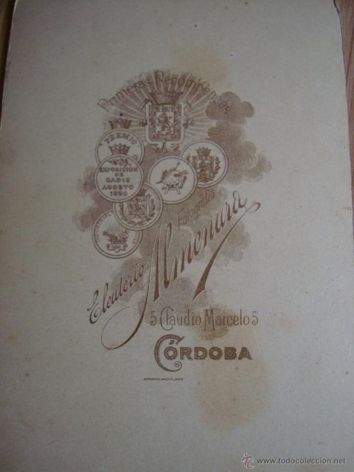 Fotografía antigua: ANTIGUA FOTO DE MUJER, HECHA EN CORDOBA EN E. ALMENARA, FOTO CARTON 10,5 x 16,2 cm. - Foto 2 - 43348426