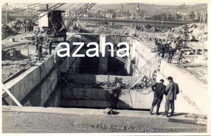 AVILES, AÑOS 50-60, TRABAJOS CONSTRUCCION PUERTO DE ENSIDESA, MAGNIFICA,175X115MM (Fotografía Antigua - Fotomecánica)