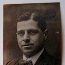 Fotografía antigua: FOTOGRAFIA RETRATO ORIGINAL DEL ACTOR P. LEON, FIRMADA Y DEDICADA, 1910!. Lote 43529321
