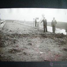 Fotografia antica: 1932-LINEA DIVISORIA ENTRE LUISIANA Y CARMONA.SEVILLA.ÉPOCA REVOLUCIÓN ANTES GUERRA.FOTO ORIGINAL. Lote 43714751