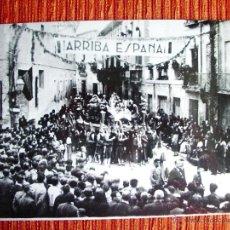 Fotografía antigua: 1939-PROCESIÓN SALZILLOS.MURCIA.SEMANA SANTA.CALLES SAN NICOLÁS Y SANTA TERESA.FINAL GUERRA CIVIL. Lote 44111416