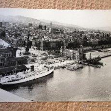Fotografía antigua: PRECIOSA FOTOGRAFIA ANTIGUA ORIGINAL, REALIZADA EL AÑO 1964. BARCELONA, PUERTO Y CIUDAD 24X18CM. Lote 44615758