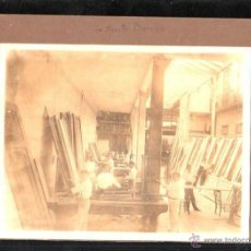Fotografía antigua: ANTIGUA FOTOGRAFIA DEL TALLER DE CARPINTERIA. BENITO BARROS FREIJEIRO. HABANA, CUBA. 22 X 16CM.. Lote 45810997