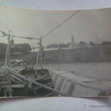 Alte Fotografie - VISTA DE LA CATEDRAL DE SANTA ISABEL EN FERNANDO POO , 1937 . DESDE UN BARCO - 45832893
