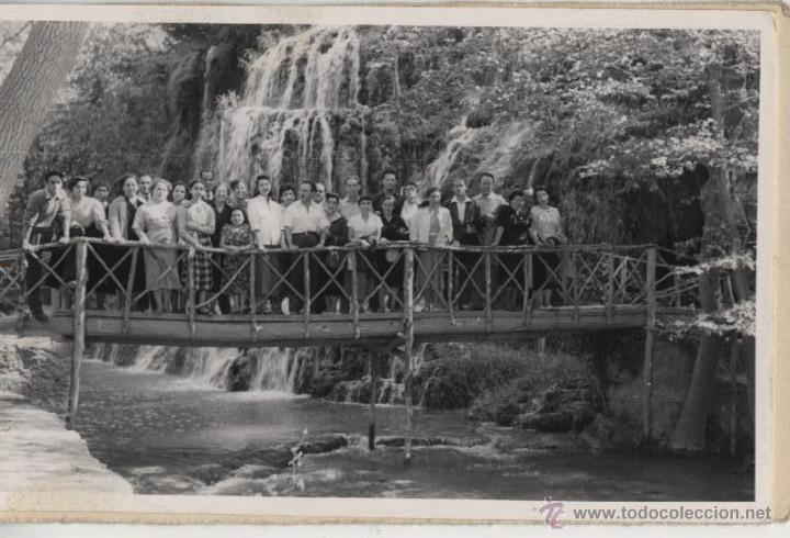 FOTO DE GRUPO: CASCADA DEL IRIS, MONASTERIO DE PIEDRA - 1954 (Fotografía Antigua - Fotomecánica)