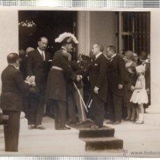 Fotografía antigua: FOTOGRAFIA DE S.M. EL REY DE ESPAÑA DON ALFONSO XIII EN LA EXPOSICION IBERO-AMERICANA. CUBA.. Lote 46246359