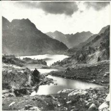 Fotografía antigua: FOTOGRAFIA. LAGOS DE RESPOMUSO. A DIFERENTES NIVELES. SALLENT DE GALLEGO. HUESCA. (22CM X 17CM).. Lote 46563539