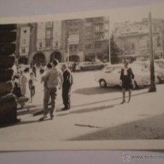 Fotografía antigua: ANTIGUA FOTOGRAFIA PLAZA VIRGEN DE LA PAZ,HARO,LA RIOJA,AÑOS 60. Lote 47258828