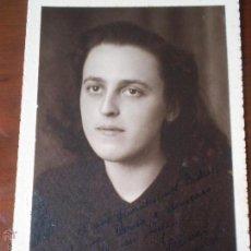 Fotografía antigua: ANTIGUA FOTOGRAFIA DE CHICA,FOTO SERRANO.FECHADA EN JABUGO,HUELVA,1945. Lote 47460451