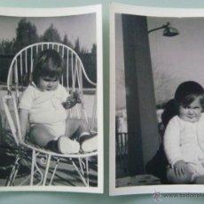 Fotografía antigua: LOTE DE 2 FOTOS DEL MISMO NIÑO, AÑOS 60. Lote 47806920